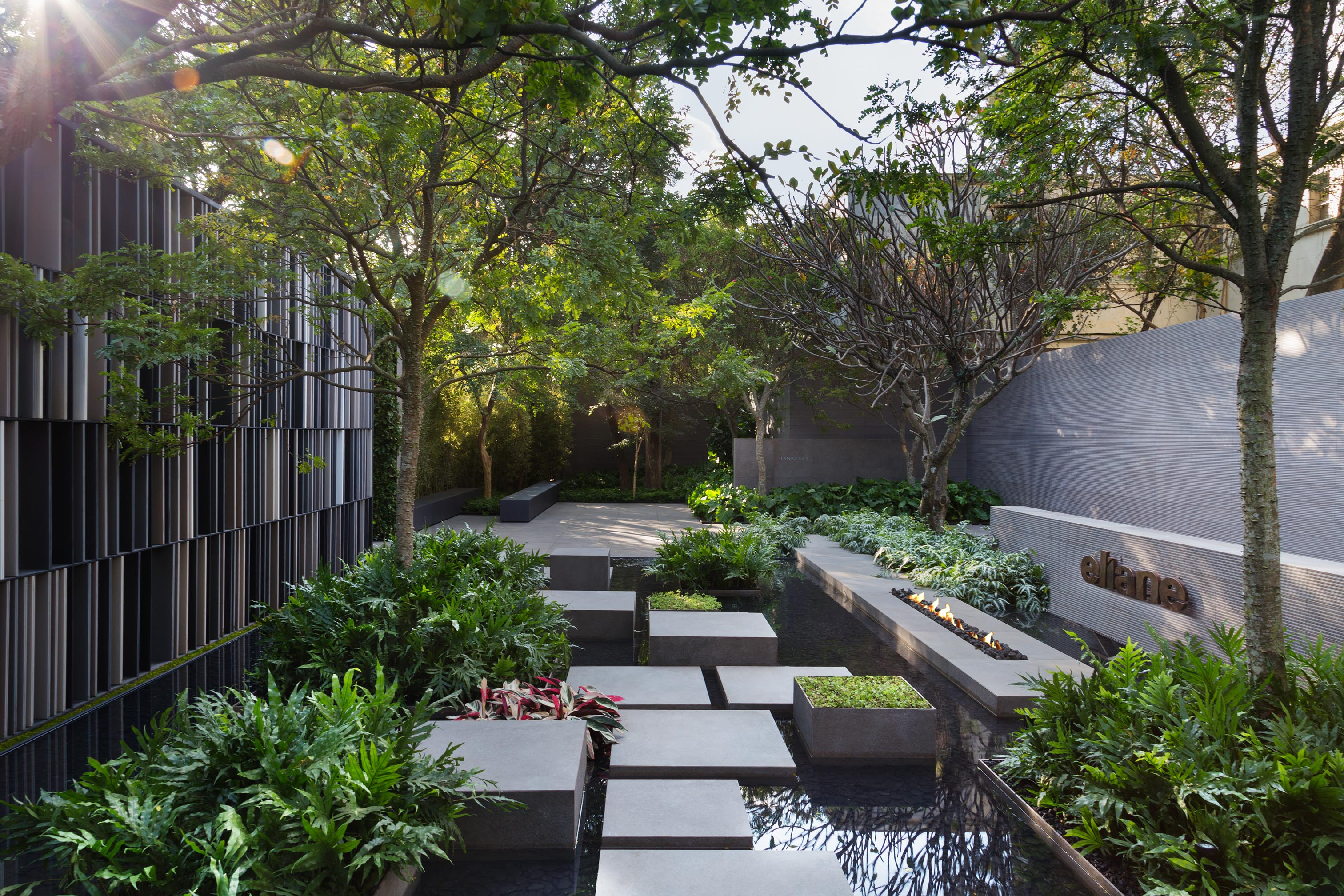 Alex hanazaki a brazilian landscape architect who won a for Society of landscape architects